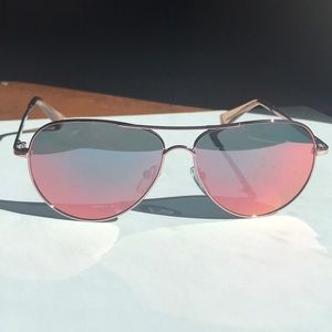 NWOT Cole Haan Polarized Aviator Sunglasses